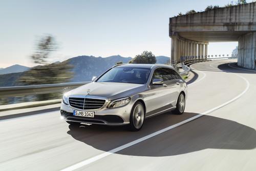 El Mercedes-Benz Clase C 2018 apenas cambia, pero trae más tecnología y cuadro de instrumentos digital
