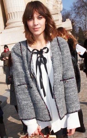 64788d5a66456fbd_alexa_chung_at_chanel_paris_fashion_show.jpg