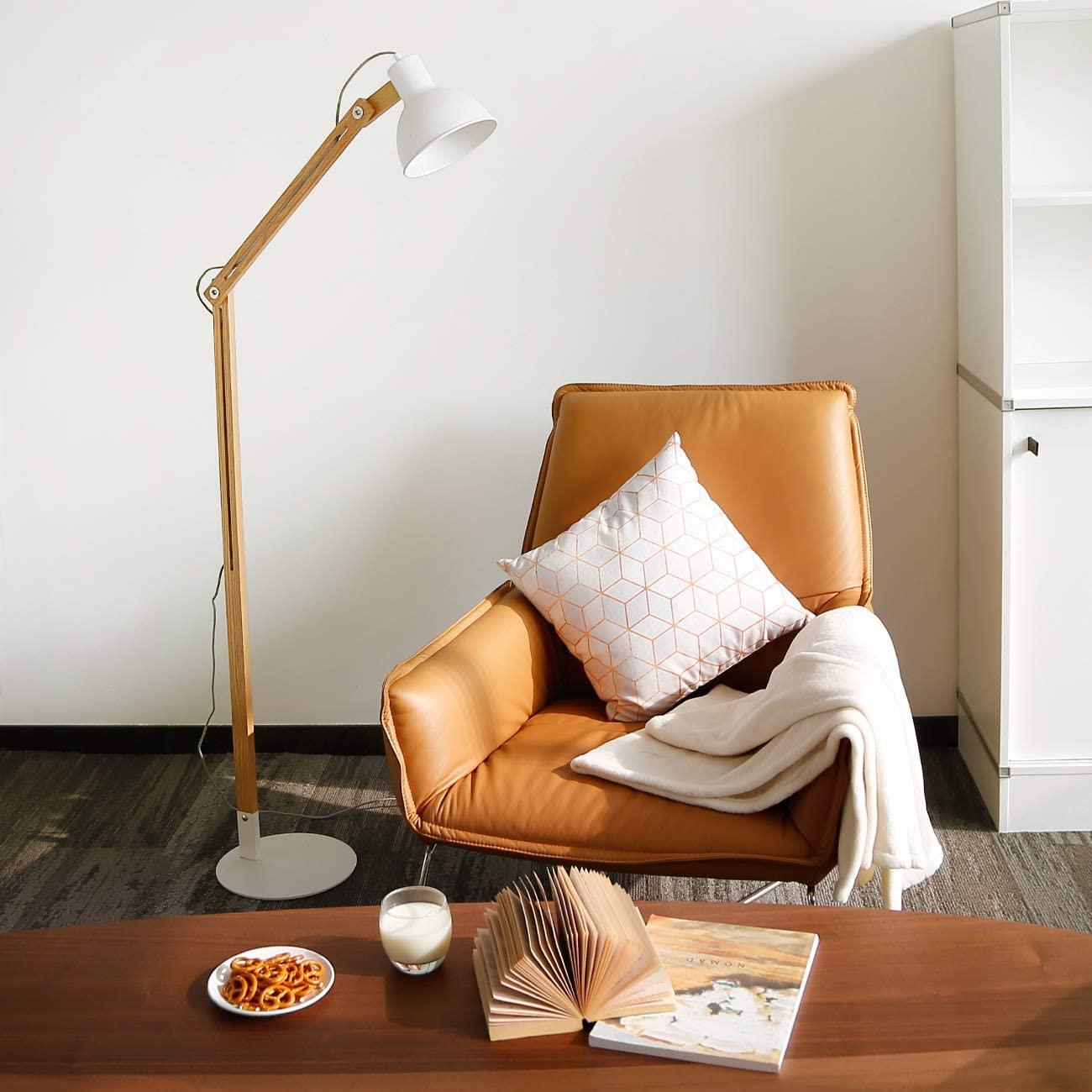 """Tomons lámpara de pie, Cabeza ajustable, madera de goma de la naturaleza, 8W luz blanca caliente del LED, lámpara de 40W E27, 57.8""""altura conveniente para la sala de estar, dormitorio-FL1001 [Clase de eficiencia energética A]"""