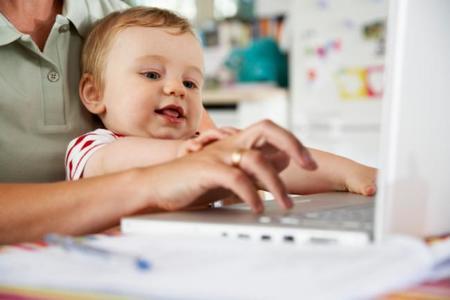 Blogs de papás y mamás: la generación dedo, niños que agotan y más