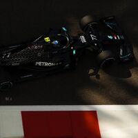 Fernando Alonso y su Renault R25 han sido la gran atracción de unos libres dominados por Valtteri Bottas