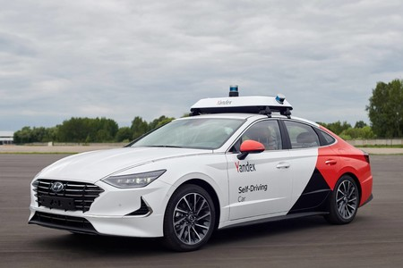 Así es el Hyundai Sonata de Yandex, un coche autónomo que hará de taxi sin conductor en Rusia