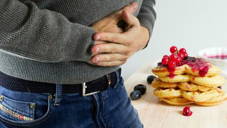 11 tips para que la indigestión no arruine tu cena de Navidad (y cómo solucionarla en caso de ser necesario)