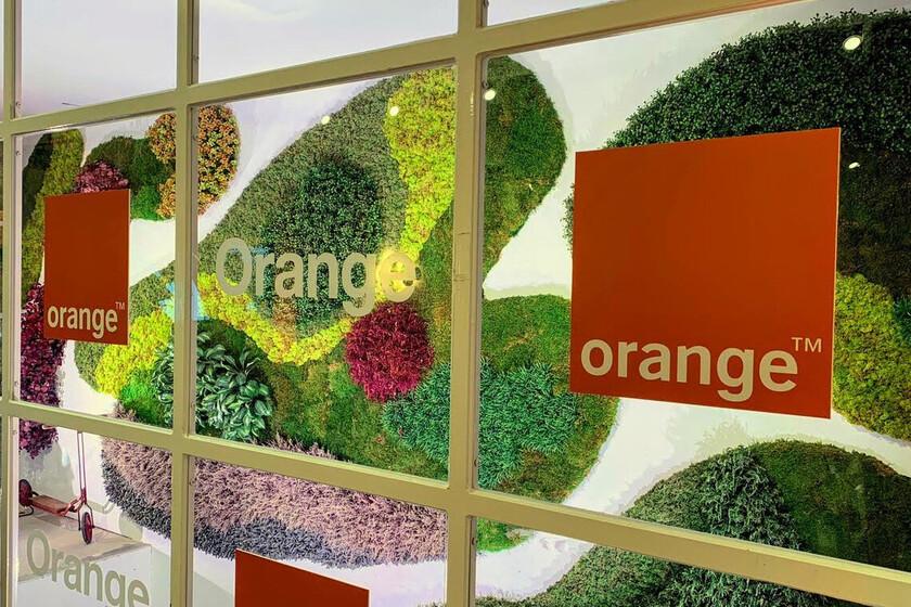 Orange reduce un 7,4% sus ingresos en el primer trimestre, pero gana clientes de contrato móvil, fibra y televisión