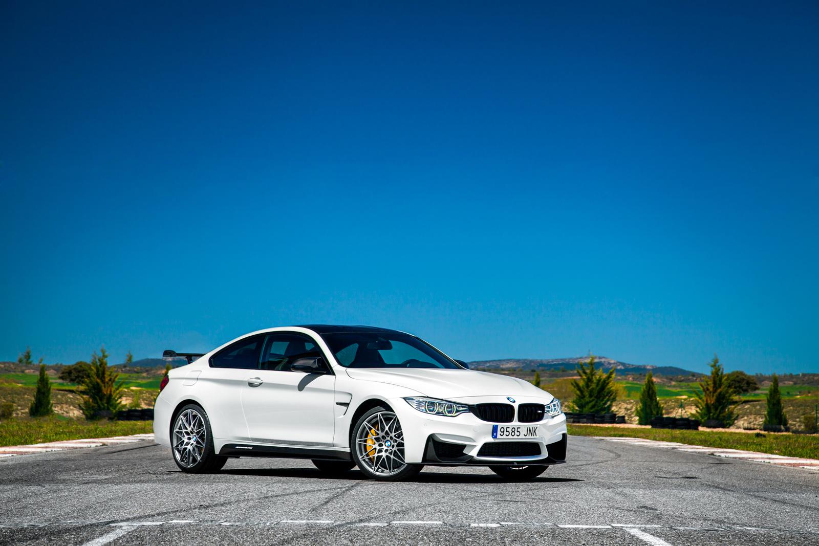 Foto de BMW M4 CS (57/60)