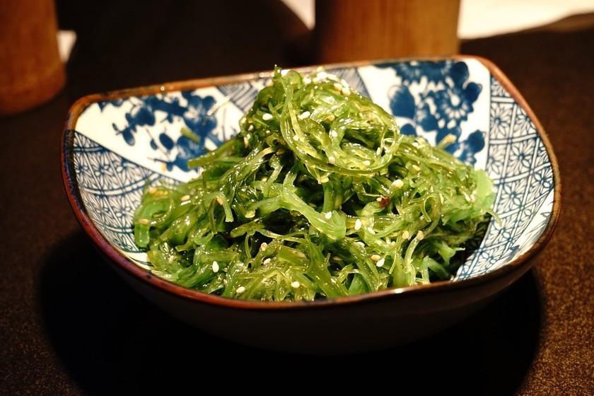 Un repaso por los distintos tipos de algas que puedes incorporar a tu dieta: propiedades, usos y preparación