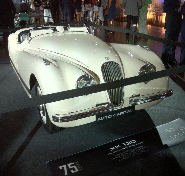 Jaguar XK 120.