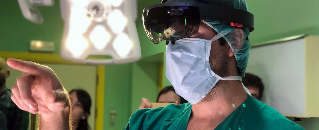 La cirugía con HoloLens no sólo es real, es sorprendentemente útil