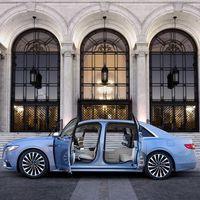 El 2019 Lincoln Continental mira al pasado con estas puertas de tipo suicida, aunque en edición limitada