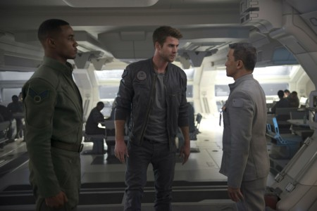 Independence Day Contraataque Jessie T Usher Liam Hemsworth