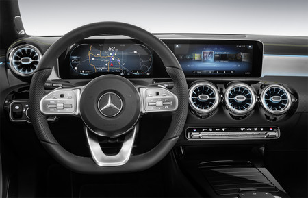Mercedes Mbux