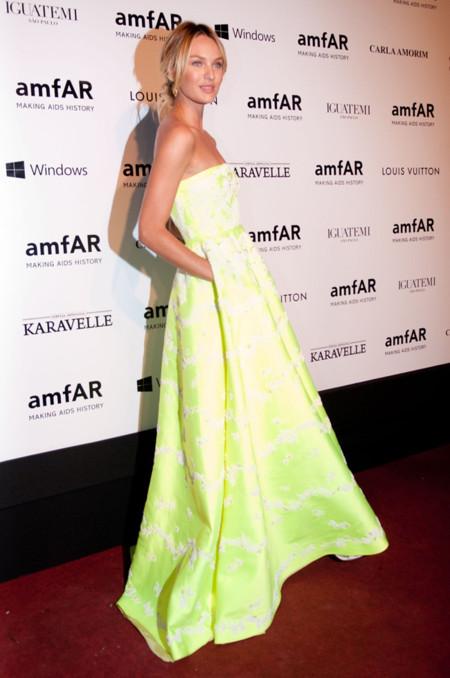 Candice Swanepoel amarillo