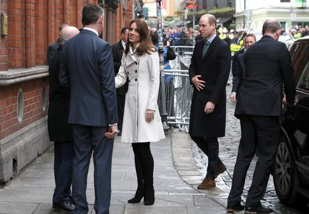 Kate Middleton Dublin Abrigo Blanco