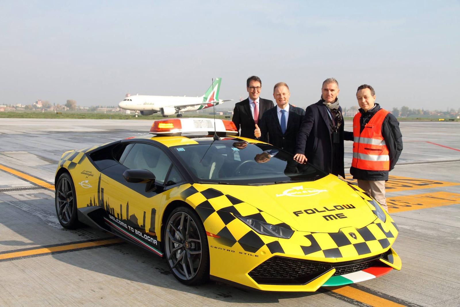 Foto de Lamborghini Huracán en el Aeroporto Marconi di Bologna (7/7)