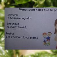 Nuggets si eres bueno, acelgas si eres malo: el menú infantil que ilustra nuestro problema nutricional