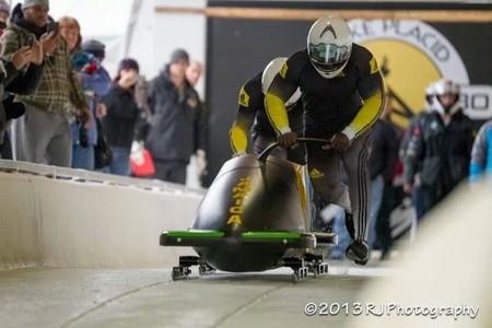 """Los jamaicanos compiten en bobsleigh en Sochi al ritmo de """"The bobsled song"""""""