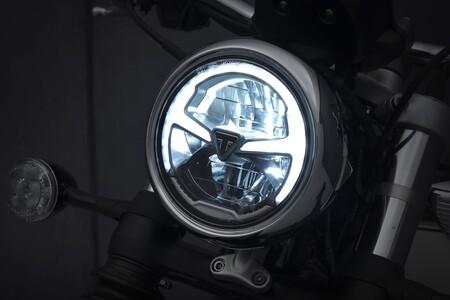 Triumph Bonneville Speedmaster 2021 001