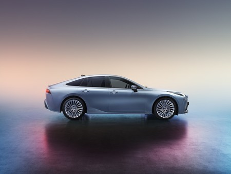 Toyota Mirai 2020 03