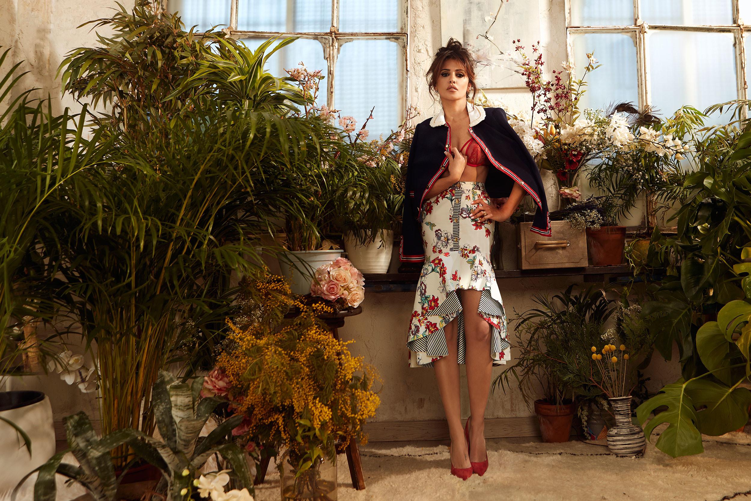 Foto de Mónica Cruz, más sexy que nunca, nos descubre una nueva firma de moda (8/10)