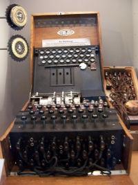 Máquina enigma - historia de la criptografía