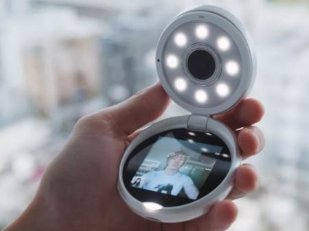 El selfie se independiza del móvil en esta cámara de 500 euros de Casio