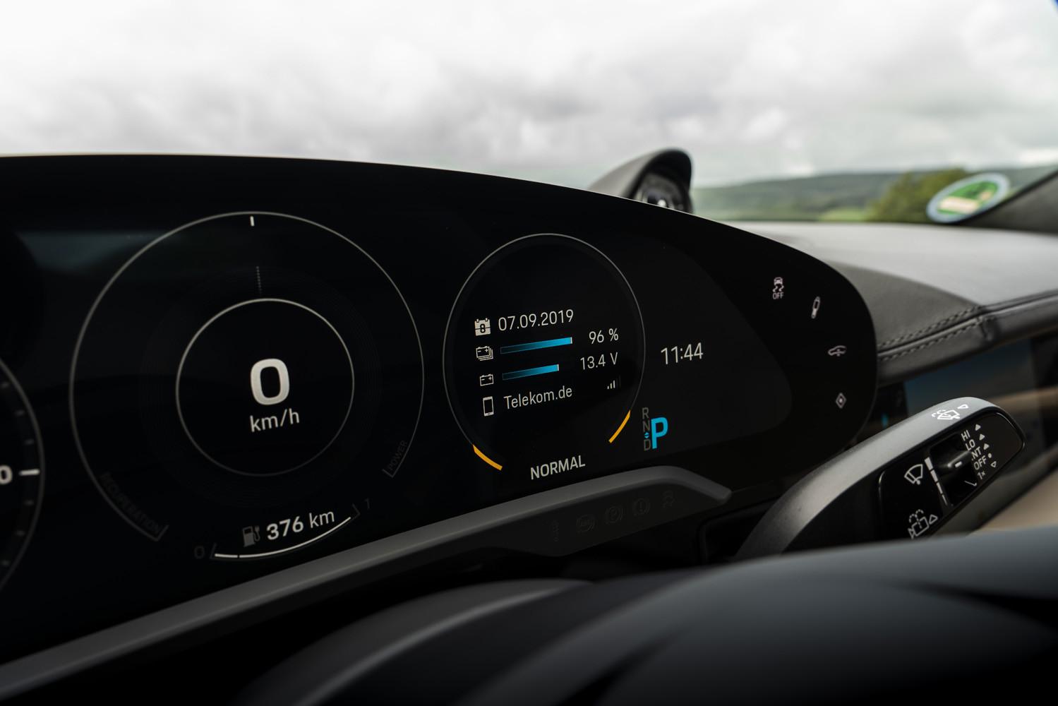 Foto de Porsche Taycan prueba contacto (52/275)