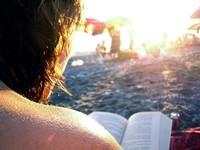 Póker de libros sobre alimentación para nutrir tu mente este verano