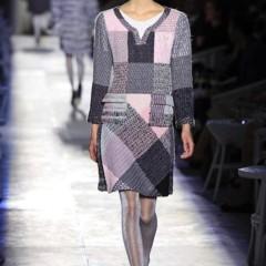 Foto 5 de 61 de la galería chanel-alta-costura-otono-invierno-2012-2013-rosa-gris-brillos-y-nuevo-vintage en Trendencias