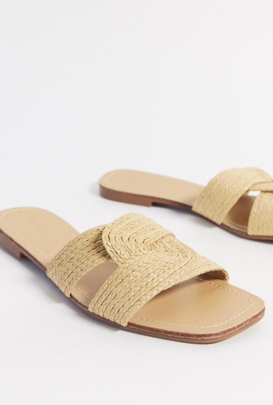 Sandalias planas de ratán en tono natural de Pimkie