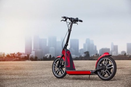El vehículo más pequeño de Mini es un patinete, eléctrico y plegable: Citysurfer