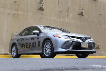 Toyota Camry Hybrid 2019 3