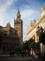 Sevilla: cómo llegar del aeropuerto al centro