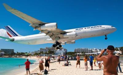 No te hagas sólo fotos de pies en la playa: la fotografía en verano puede dar mucho más