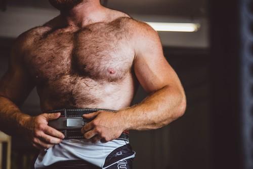 Todo lo que tienes que saber sobre la testosterona: qué es, cuál es su función y si puede aumentarse de forma natural