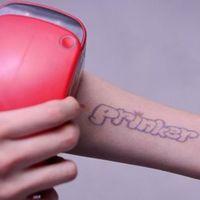 ¿Conseguir un tatuaje en tres segundos en tu propia casa? Sí, gracias a esta impresora será posible