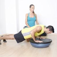 Cinco ejercicios para trabajar todo tu cuerpo con el Bosu
