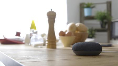 Cocinamos una tortilla de patatas y bacalao con el Asistente de Google (Google Home)