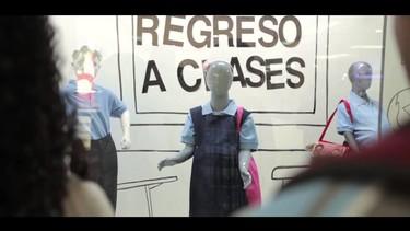 Vitrina Vergüenza, una campaña para prevenir el embarazo adolescente