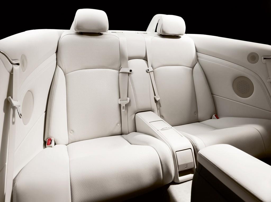 Foto de Lexus IS 250C (27/28)