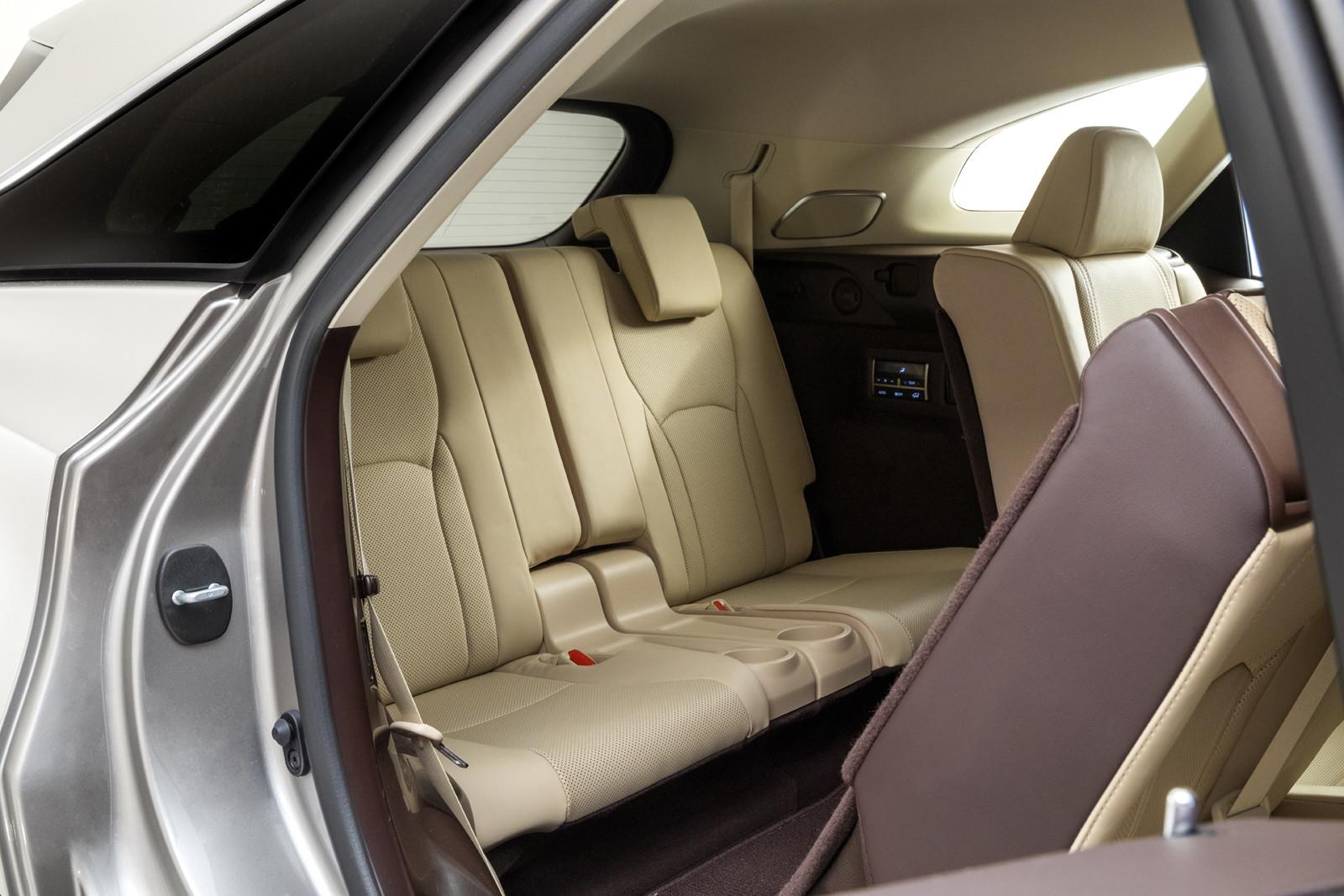 Foto de Lexus RX 450h L (presentación) (13/18)