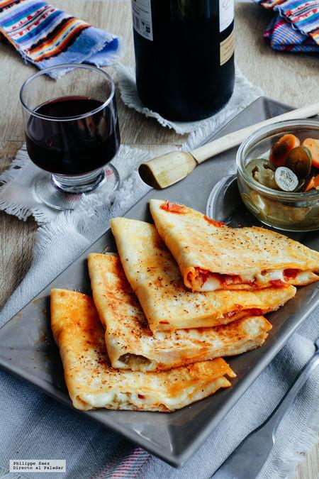 Quesadillas de chorizo con mozzarella y jalapeños.  Receta mexicana fusión para cualquier ocasión