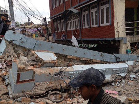 El desastre de Nepal e Internet: así se está volcando la red más allá de mostrarnos la tragedia