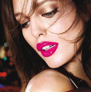 """Labios jugosos e intensos con los nuevos """"Color Elixir"""" de Maybelline"""
