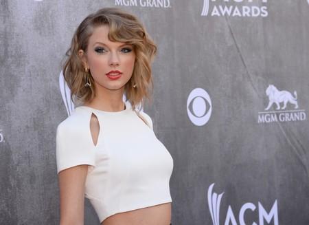 Entre Taylor Swift y Shakira anda el juego en los ACM Awards 2014