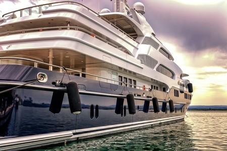 Rolls-Royce se zambulle en el mundo marino y crea un sistema de baterías eléctricas para barcos