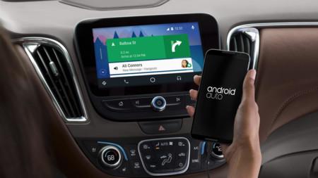 Google quiere que ahora todos podamos tener Android Auto en el coche