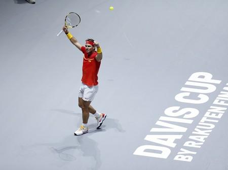 Así ha llegado el trofeo de la Copa Davis: en un baúl oficial de Louis Vuitton