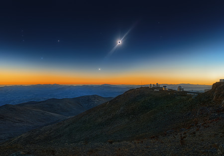 Os 3162 1 Total Solar Eclipse Venus And The Red Giant Betelgeuse C Sebastian Voltmer