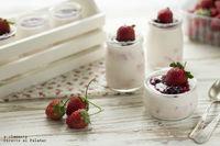 Postre de yogur con fresas. Receta