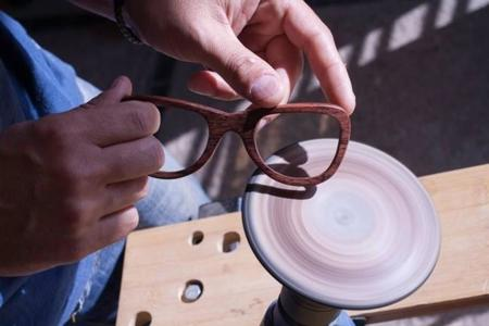 Gafas de sol con estilo y vida propia. Gafas artesanales de madera